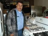 Alejandro Rondero en su establecimiento