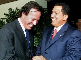Julio Iglesias visita a Chávez