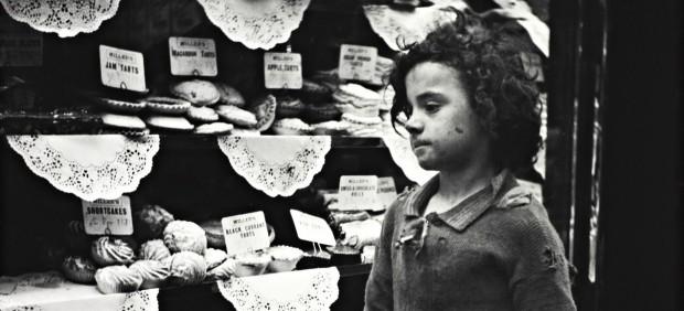 Child Staring into Bakery Window, London, 1935