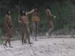 Indígenas en el amazonas