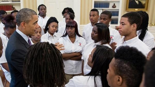 Obama con estudiantes