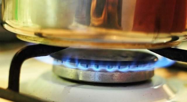Cinco trucos para mantener calientes los alimentos en la for Llama en la cocina