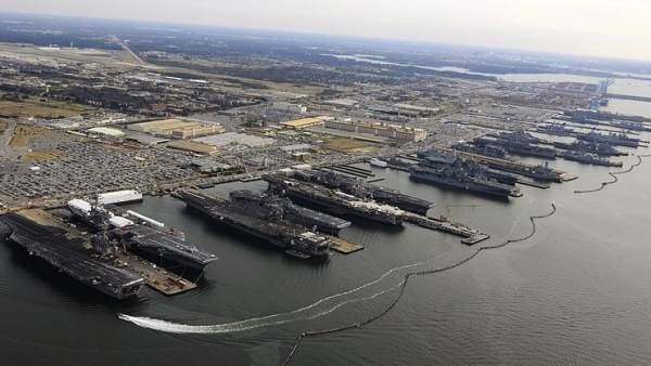 Base naval de Norfolk