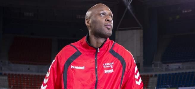 Lamar Odom, durante su primer entrenamiento en Vitoria