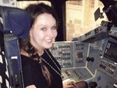 La soprano Sarah Brightman en un centro de la NASA