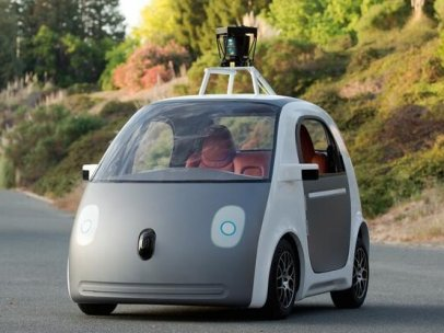 Policía de California para a un vehículo autónomo de Google