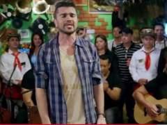 Juanes en un restaurante de Miami