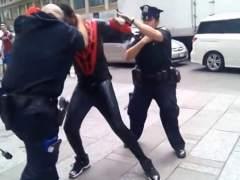 'Spiderman' agrede a un policía en NY