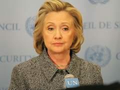 Hillary Clinton pide que se trate a Puerto Rico como a un estado para saldar su deuda