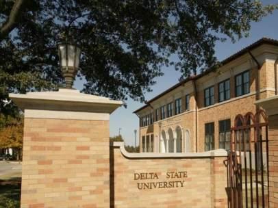 Universidad Delta State