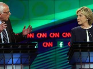 Debate entre aspirantes demócratas.