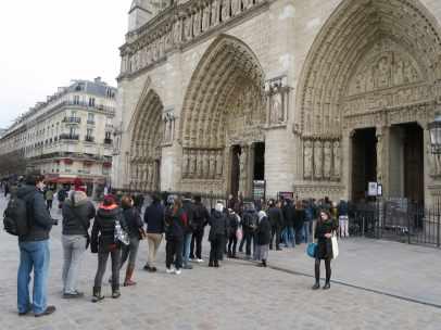 Francia guarda un minuto de silencio